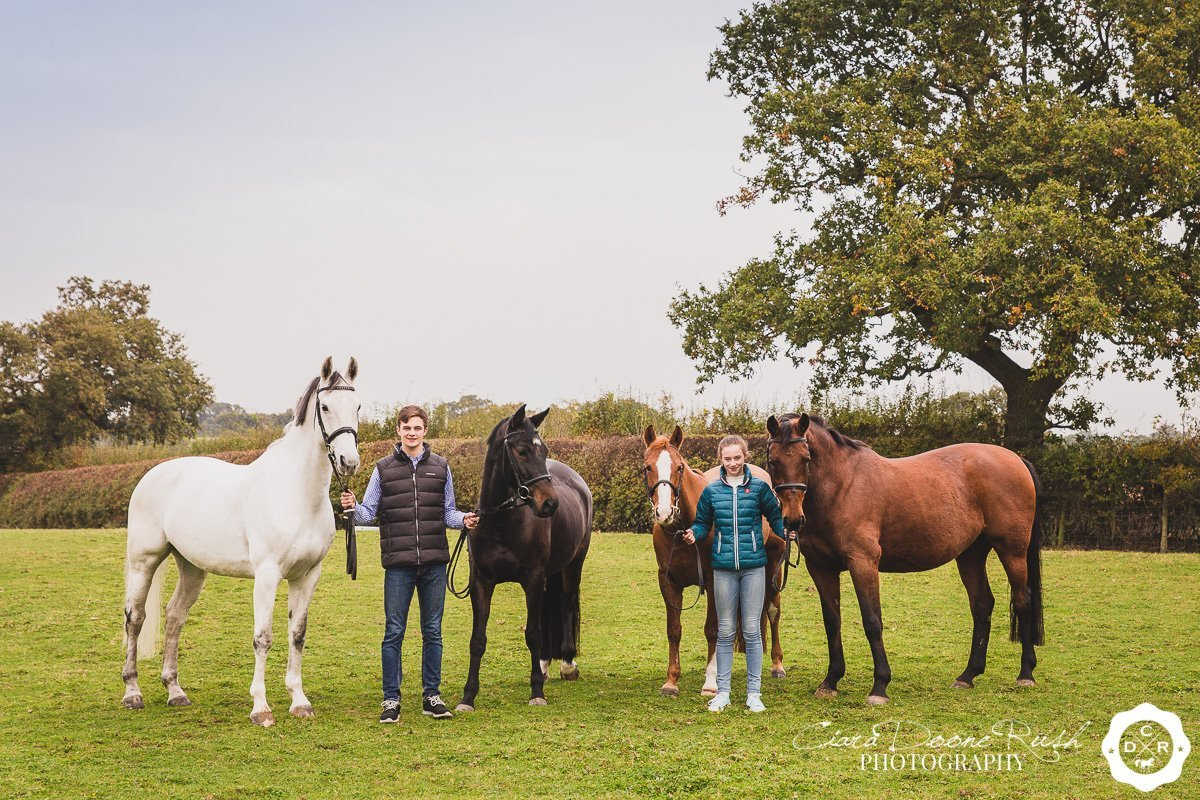 photo shoot of two teens and their horses