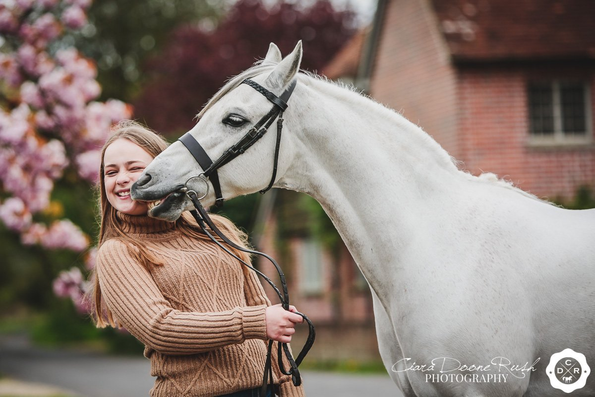 pony kisses on a photo shoot